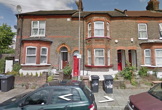 Look no further than this ideal 4 bedroom house on Windmill Road for your next student home
